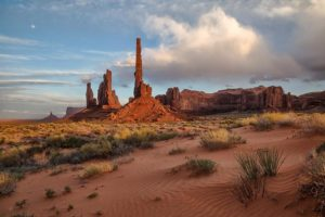 Totem Pole, Monument Valley | Photo by Larry Lindahl